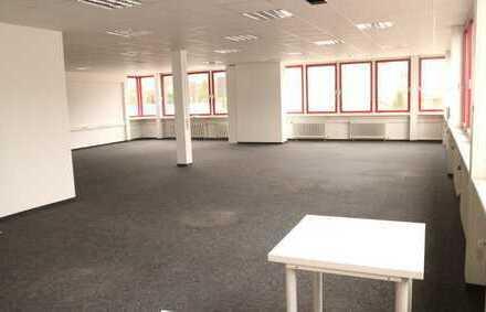 Schönes Bürohaus ( jede Büroetage auch EINEZLN vermietbar) in 71116 Gärtringen