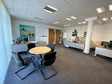 Schöner, heller Büroraum in ruhiger Lage