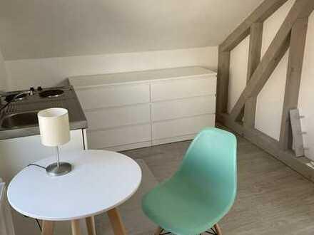 Neu möbliertes, helles und ruhiges Zimmer in CR-Zentrum