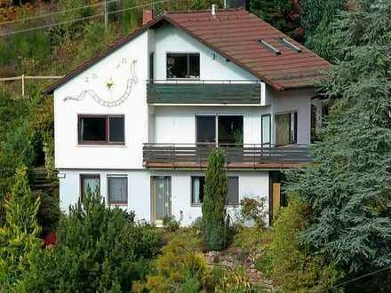 *Bad Liebenzell: Einfamilienhaus mit ELW in unverbaubarer Aussichtslage am Sonnenrain*