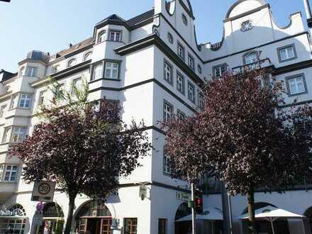 Im Herzen von Deutz: Sanierter Altbau, 4,5 Zimmer, 141m² , 2 Balkone, Aufzug , Tageslichtbad +WC