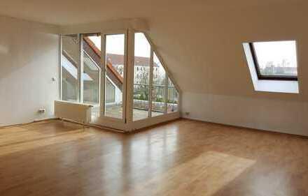 Helle 2-Raum Wohnung mit Terrasse