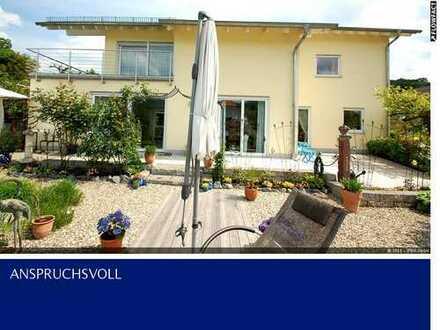 Traumvilla mit idyllischem Garten in bester Lage von Reichenbach