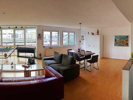 Schönes und helles 16m² Zimmer in 3er Studenten-WG im Ulmer Dichterviertel