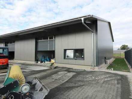 Münster-Wolbeck: Neubau! Helle, moderne Lagerhalle mit Büroeinheit
