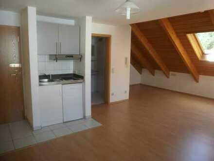 Schöne 1,5-Zimmer-DG-Wohnung mit Einbauküche in Albstadt-Ebingen