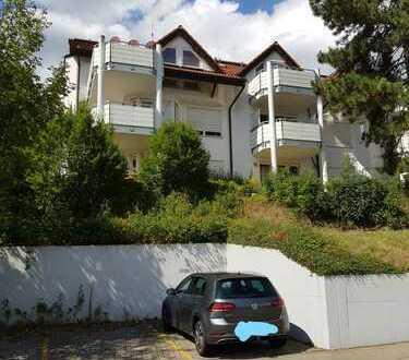 Stilvolle, gepflegte 2-Zimmer-Dachgeschosswohnung mit Balkon und EBK in Leonberg