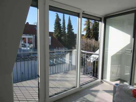 ..wie neu!! Hochwertige Dachgeschosswohnung in bester Lage sucht neuen Mieter...!