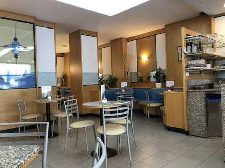 Bistro / Eiscafe' in Top Lauflage der Fußgängerzone von OF