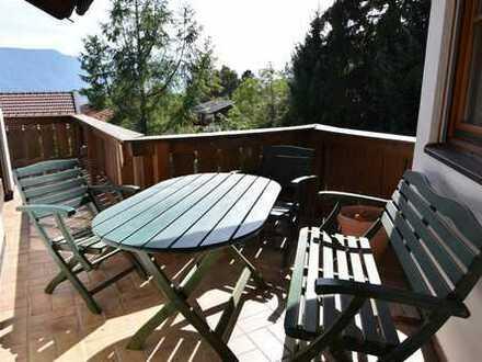 Rarität: Besonders reizvolle Dachgeschoßmaisonettewohnung mit unverbaubarem Alpenpanoramablick