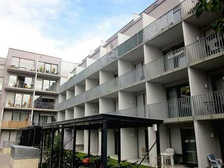 Neuwertiges 1-Zimmer-Studenten-Apartment mit Einbauküche und Balkon - Erlangen