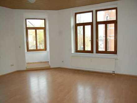 Angenehmes Leben in Auerbach - 2-Zimmer-Wohnung mit Erker und EBK