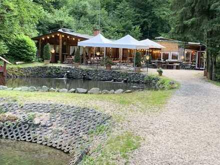 Restaurant mit Teichanlage