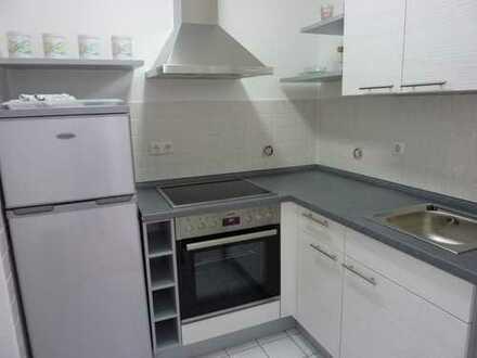 Tolle 2-Raum-Wohnung mit Balkon und spitzen Einbauküche!