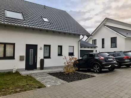 Schönes Doppelhaus mit fünf Zimmern in Donnersbergkreis, Kirchheimbolanden