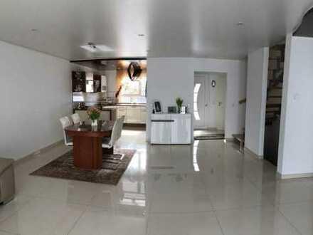 °°° Wie NEU!!! Energiesparsame Doppelhaushälfte mit Garten und Garage °°°