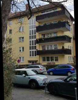 Gepflegte 3-Zimmer-Wohnung mit Balkon und Einbauküche in Nürnberg, St. Johannis