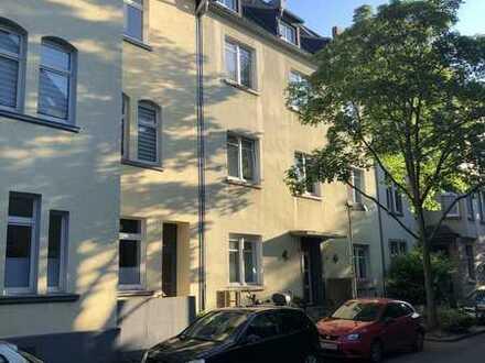 Modernisierte 4-Raum-Wohnung mit Balkon in Witten