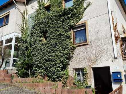 2 Häuser und sehr großes Grundstück- Für die große Familie oder ihre Kapitalanlage