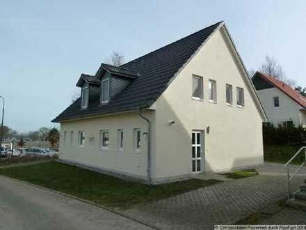 Exklusives Ferien- oder Wohnhaus mit Fußbodenheizung, EBK, Gaskamin und Terrasse am Fleesensee!