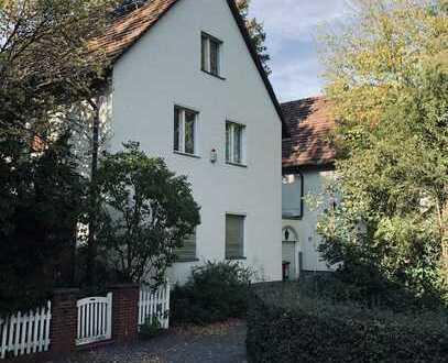 Wunderschönes Einfamilienhaus mit großem Garten * Beautiful House with large Garden