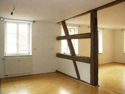 Behagliche Wohnung im historischen Zentrum, EBK, Balkon, Garage