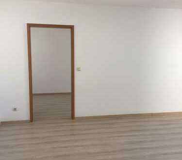 Von privat an privat - schöne, renovierte 2 ZKB Wohnung mit Balkon, NH Klinikum