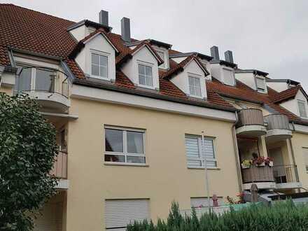 Vollständig renovierte Dachgeschosswohnung mit drei Zimmern und Balkon in Gessertshausen