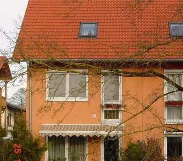 Stilvolles Ambiete, modernste Haustechnik, Sonne und viel Platz