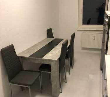 Sonniges Zimmer mit 18m² zum langfristigen Einzung