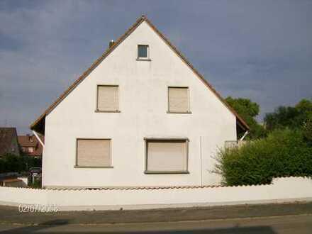 Schönes, geräumiges Haus mit fünf Zimmern in Darmstadt-Dieburg (Kreis), Reinheim