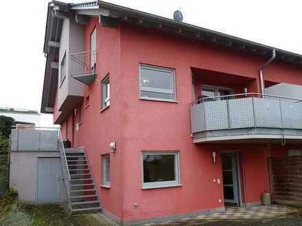 Doppelhaushälfte mit Einliegerwohnung - Hier ist Platz für Kind und Kegel!