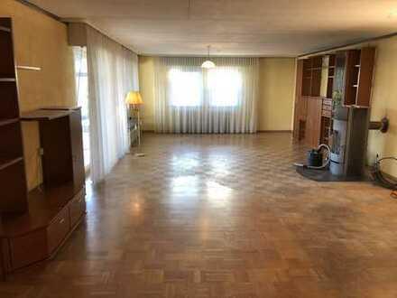 Freundliche 5-Zimmer-Wohnung mit Einbauküche, zwei Terrassen und großem Garten in Eppertshausen