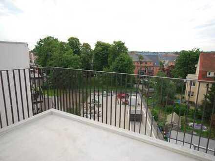 * sonnige Wohnung im Dachgeschoss mit Terrasse und Balkon *