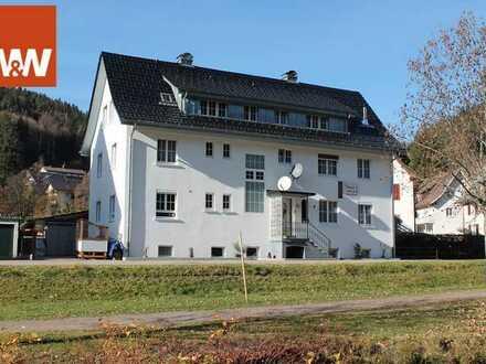Teilweise modernisiertes Mehrgenerationenhaus oder Einfamilienhaus mit viel Platz mitten in Todtmoos