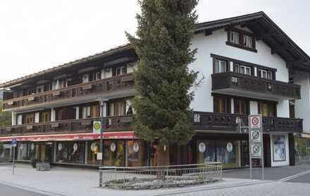 Erstbezug nach Sanierung: Großzügige Wohnung mit traumhaftem Bergblick von 3 Balkonen