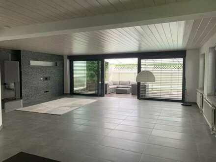Exklusive Doppelhaushälte mit 4,5 Zimmern und Einbauküche in Baindt