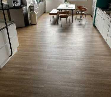 Lichtdurchfluteter Gewerberaum im OG mit großzügigem Eingang - Fußbodenheizung