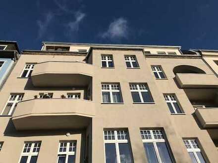 Erstbezug sonnige 3-Zimmer-DG-Wohnung in Berlin Spandau