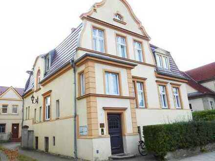 Sehr schöne 2-Zimmer-Wohnung mit Pkw-Stellplatz in Neuruppin