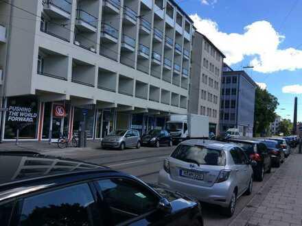 Vollständig renovierte 1-Zimmer-Wohnung mit Balkon und EBK in Maxvorstadt, München
