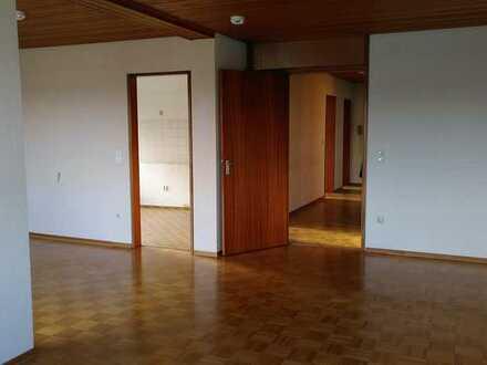 Wohnung mit 5 Zimmern und Balkon in Fellbach