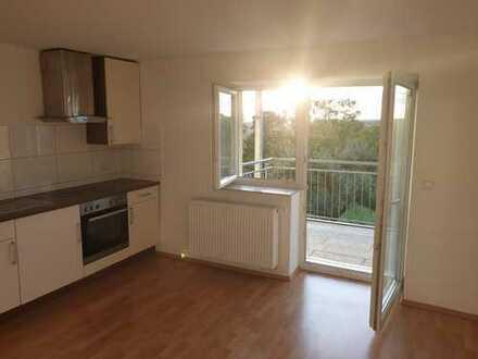 Exklusive, sanierte 2-Zimmer-Wohnung mit Balkon und EBK in Schopfloch