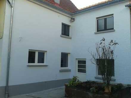 Modernisierte 3-Zimmer-Wohnung mit Balkon und viel Stauraum in Selzen