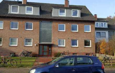 Insgesamt drei kleine Wohnungen mit viel Potential in ruhiger Wohnlage!