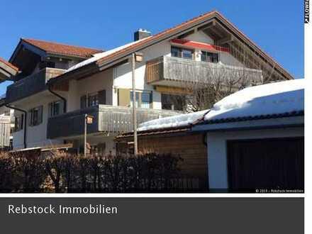 Stilvolle 3,5-Zi.-DG-ETW mit 2 Balkone, EBK, möbliert, Altstädten