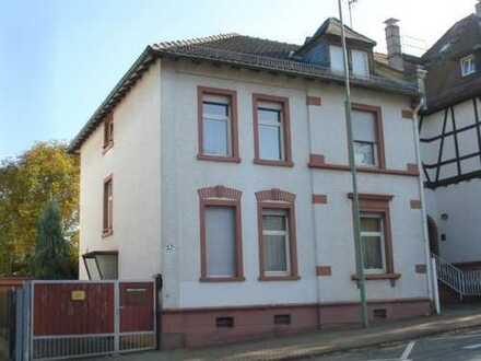 NEU! - Privatinvestor aufgepasst: 2-Familienhaus mit schönem Grundstück u. fertiger Planung für 4-5