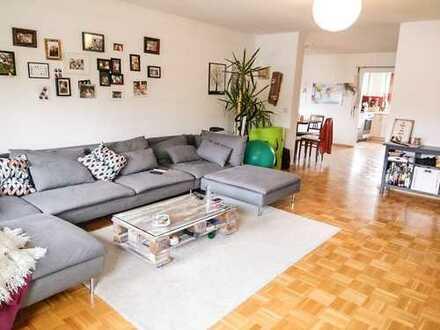 absolute Zentrumslage! großzügig geschnittene 4,5-Zimmer-Wohnung mit saniertem Bad und Loggia
