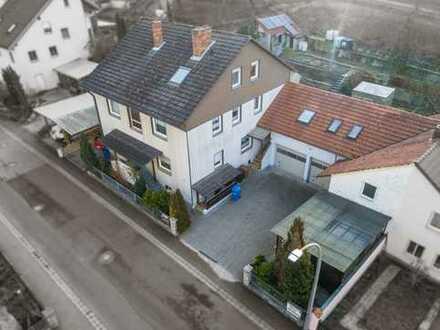 Dreifamilienhaus + Nebengebäude in Retzstadt