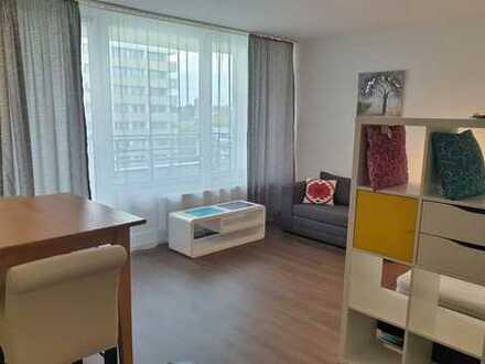 Möblierte, vollständig renovierte 1-Zimmer Wohnung in München-Oberschleißheim